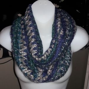 Womens infinty knitted lightweight scarf